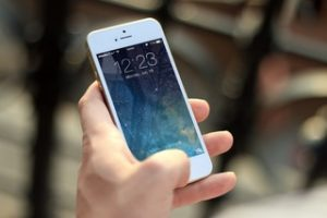 Best Tips on How to Choose the Right Case for iPhone