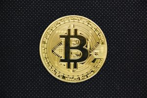 What are the smart strategies to earn money through bitcoin in 2021?